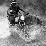 La route inondée sur quelques kilomètres